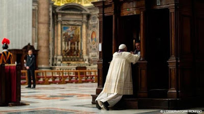 https://uncatolicodenava.files.wordpress.com/2016/08/ba04a-franciscoconfesion2014_losservatoreromano_110315.jpg?w=645